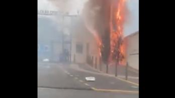 Sokat veszít a csapat, a dühöngő szurkolók felgyújtották az edzőközpontot