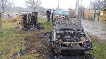 Kigyulladt két autó Szegeden