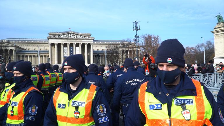 """""""Nekem ez a rendszer nem tetszik"""" – ilyen volt a tüntetés"""