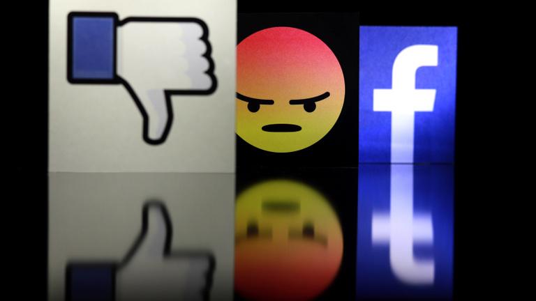 Rettenetes munkakörülményekről panaszkodnak az ír Facebook-moderátorok