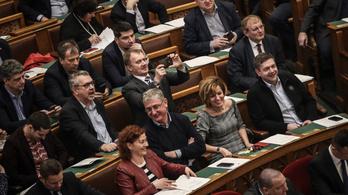 Molnár Zsolt vett egy Zsigulit, Hadházy Ákos kapott 5,2 millió forintot