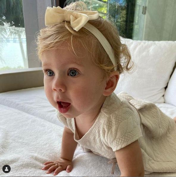 Masha születésnapja alkalmából ezt a friss fotót posztolta róla édesanyja.