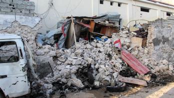 Öngyilkos merénylő robbantotta fel magát egy szomáliai hotelnél, kilencen meghaltak
