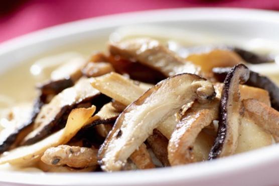 Bármilyen gombából finom és laktató.