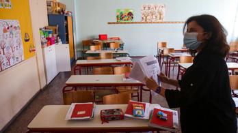 Már a tantermekben tanulhatnak a görög középiskolások