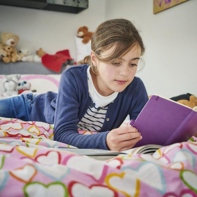 A kedvenc ifjúsági regények kvíze: ki írta az Álarcosbál című könyvet?