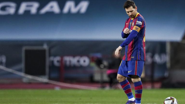 Fizetésképtelenné válhat a Barca, 63,5 millióval tartozik Messinek