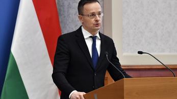Szijjártó Péter: Hazugság, hogy Magyarország ellenezte a Pfizer és a Moderna vakcinák beszerzését
