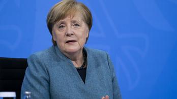 Merkel: Németországban a nyár végéig minden felnőttet be tudnak oltani