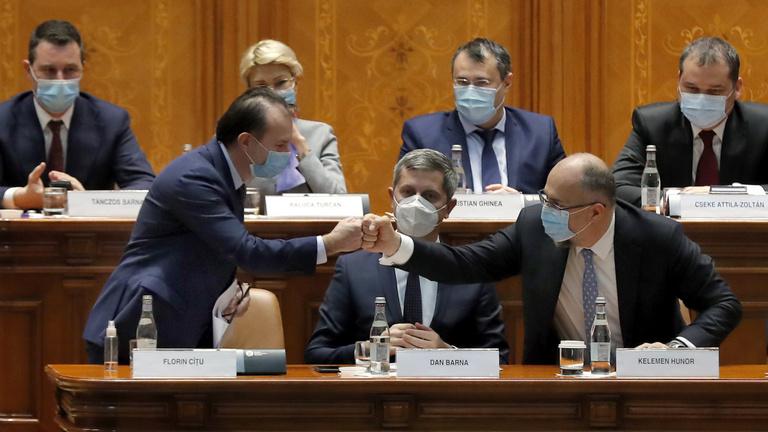 Újabb magyar politikusokat küldhet a kormányba az RMDSZ