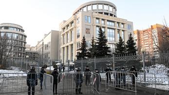 Ma bebörtönözhetik Navalnijt