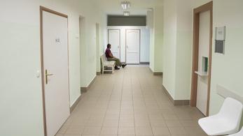 Hetvenezer magyar eshet ki az állami egészségbiztosítási rendszerből