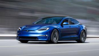 A Tesla egyelőre nem az autóiból él