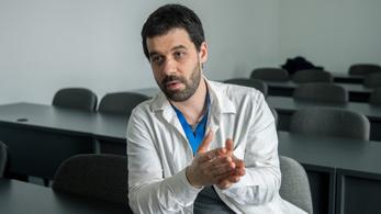 A virológus az orosz vakcina teszteredményeiről: A tudományban érdemes bízni