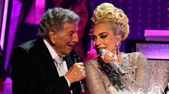 Lady Gaga megédesíti Tony Bennett demenciáját