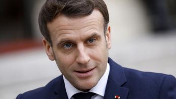 Macron gyorsítaná a vakcinagyártókat