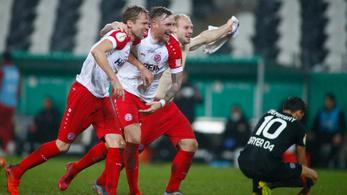 Negyedosztályú kiscsapat ejtette ki a Leverkusent a Német Kupából