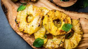 Grillezett ananász csilivel és füstös paprikával – szárnyasok mellett a legfinomabb