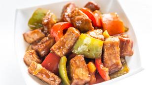 Húszperces sertésszűz serpenyőben – add hozzá a kedvenc zöldségeid!
