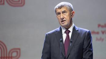 Járványügyi szakértőkkel érkezik pénteken a cseh kormányfő Magyarországra