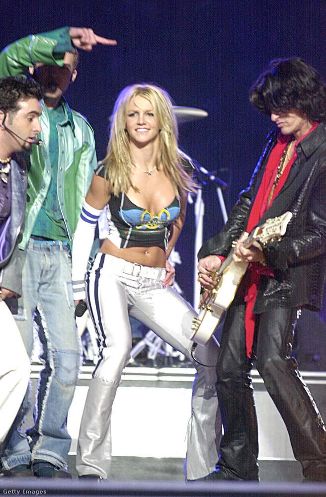 Hát megérkeztünk: a szexiség Britney Spearsszel robbant be a Super Bowlra, 2001-ben