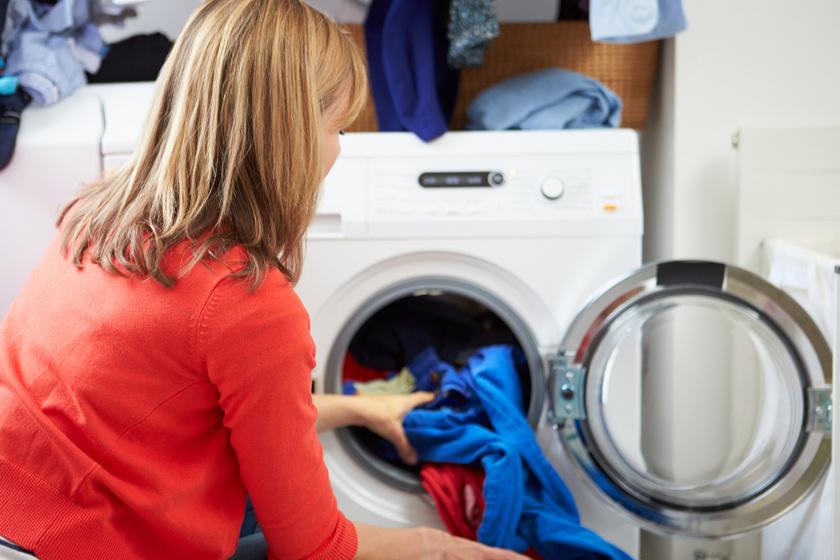 Egykettőre tönkremegy a mosógép, ha erre nem figyelsz: 4 gyakori hiba, ami lerövidíti az életét