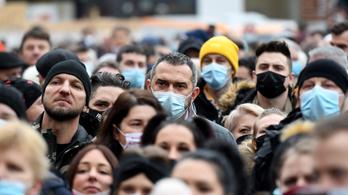 Elegük van a korlátozásokból, Zágrábban több ezren tüntetettek az enyhítéséért