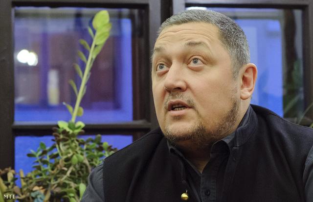 Vidnyánszky Attila 2012. nvember 14-én Debrecenben jelentette be, hogy megpályázza a Nemzeti Színház igazgatói posztját.