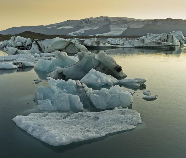 Izland sok jéggel