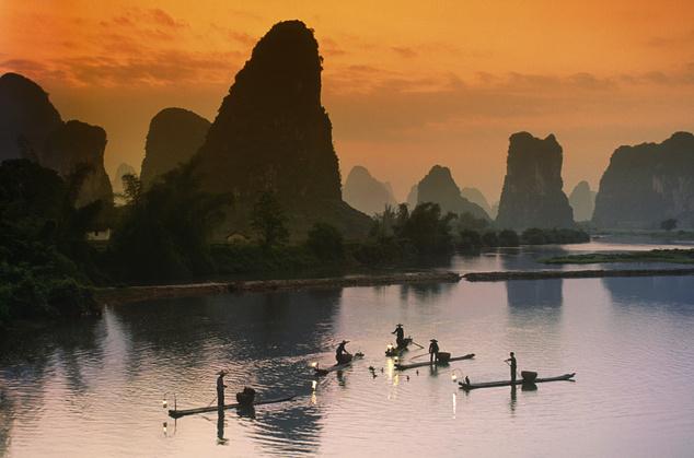 A Li-folyó karszttornyai