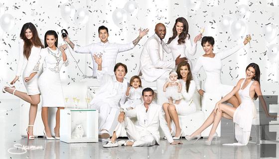 A Kardashian klán családi karácsonyi fotója