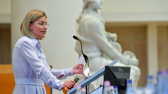 Elvált Bártfai-Mager Andrea, az Orbán-kormány nemzeti vagyonért felelős minisztere