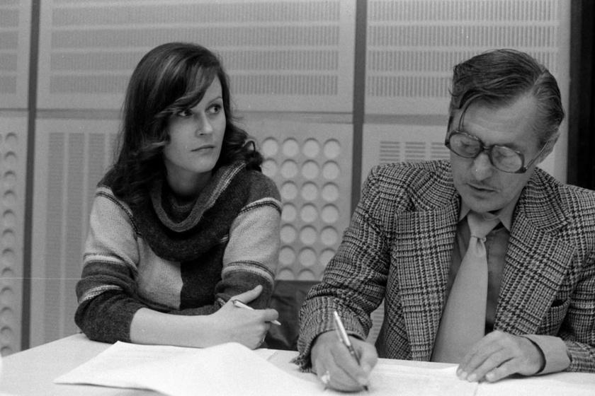 Sunyovszky Szilvia és Agárdy Gábor színművészek 1978-ban a Magyar Rádió stúdiójában.