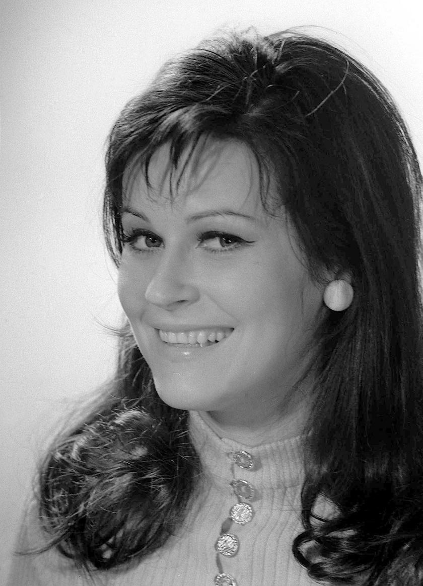 Sunyovszky Szilvia színésznő 1971 szeptemberében a Madách Színház tagjaként.
