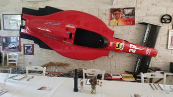 Aki kibulizta a Ferrari motort a Lancia Stratosnak