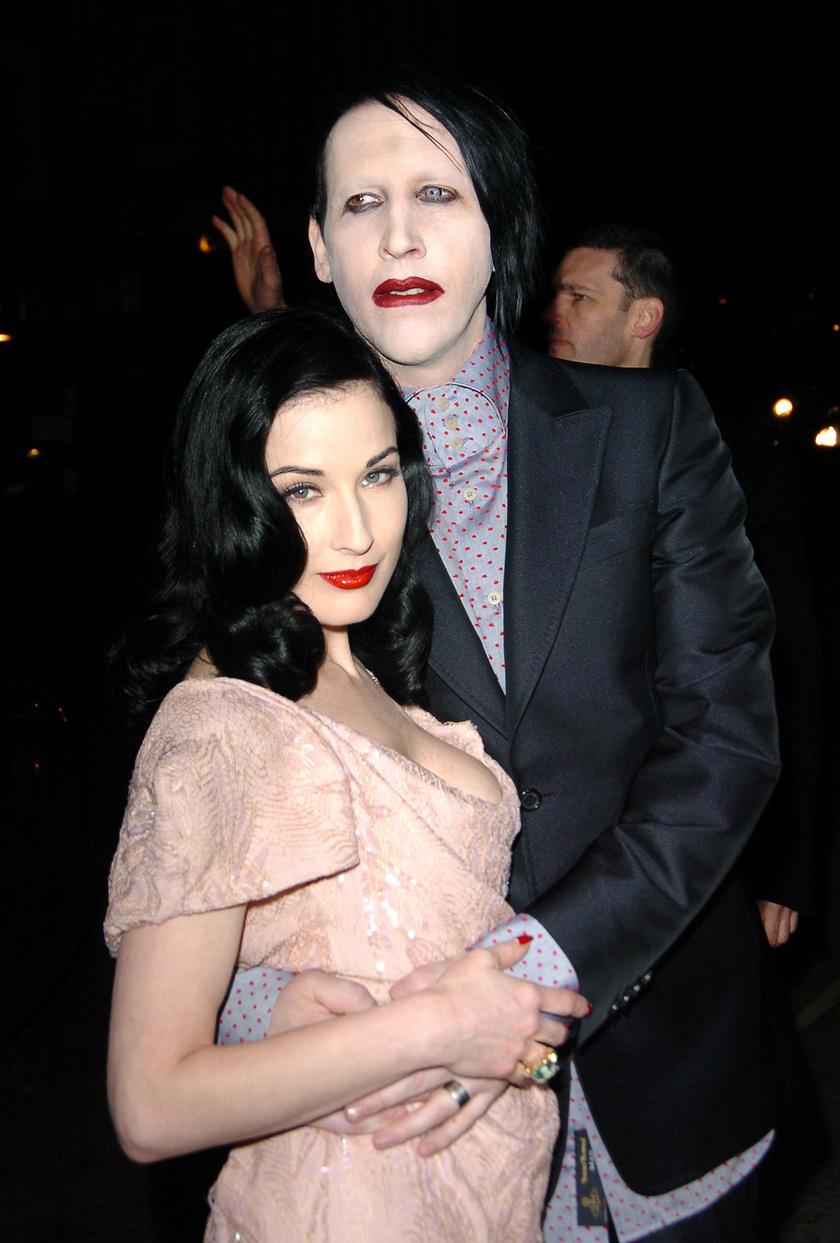 Dita Von Teese, Manson exfelesége azt vallotta közösségi oldalán, hogy a kapcsolatuk alatt nem tapasztalt semmi rosszat.