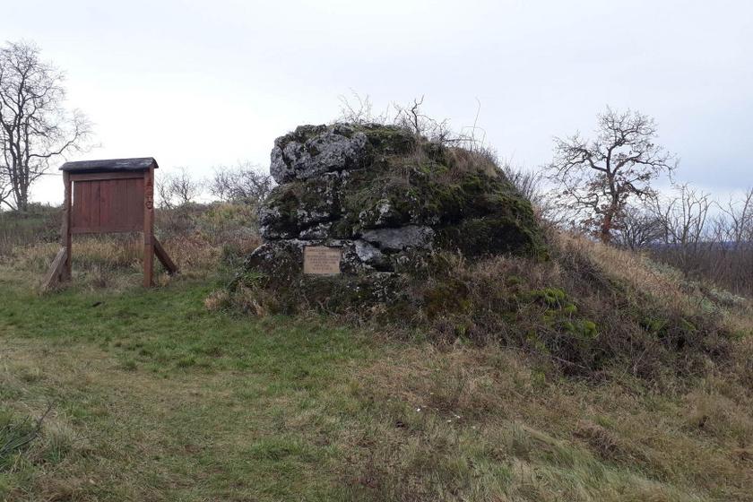 Itt pihent meg IV. Béla a tatárjárás harcaiban: a Kis-Somlyó káprázatos panorámája azonnal magával ragad