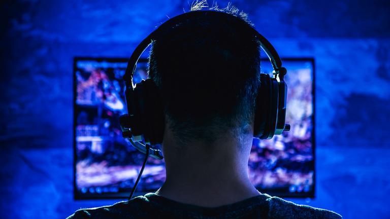 Nácik a neten: a streamerek között is akadnak