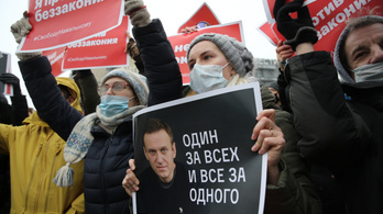 Navalnij újra bíróság elé áll