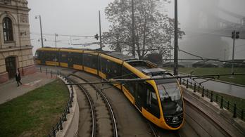 Új villamosok állnak forgalomba a 17-es és a 19-es vonalán