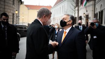 Orbán Viktor: Aki gyors, életet ment, aki lassú, életet veszít