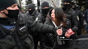 Tüntetésen vettek részt, diplomatákat utasított ki Oroszország