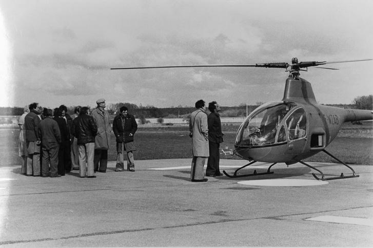 Az 1977. június 14-ei sajtóbemutató. Ekkor kapott az RE-2-es hat hónapos üzemeltetési engedélyt