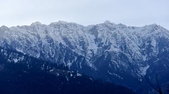 Szörnyethalt egy hegymászó a Himalájában