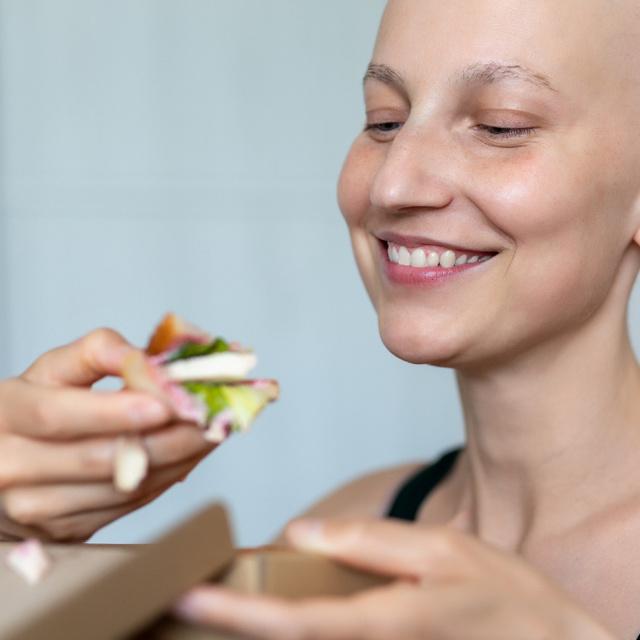 3 hasznos tanács daganatos betegek étkezéséhez: ráktúlélő dietetikus beszélt róluk