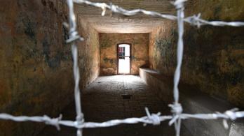 Vádat emeltek a stutthofi haláltábor egykori titkárnője ellen