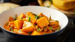 Ezt az édesburgonya-curryt a vegán vendégek is szeretni fogják
