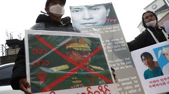 Lekapcsolta az internetet a junta Mianmarban