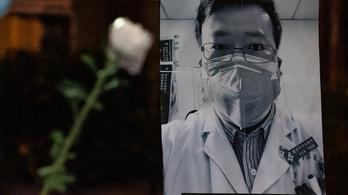 Egy éve halt meg koronavírusban a kínai orvos, aki riadót fújt a járvány miatt
