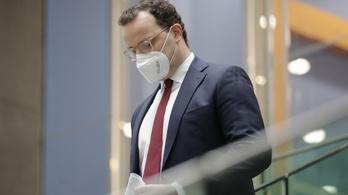 Oltás után fertőzött a brit mutáns